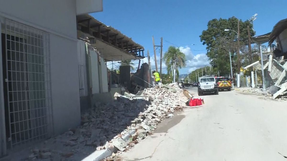 The damage caused by the earthquake.
