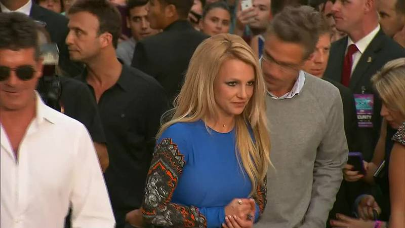 Britney Spears is calling for her father to be charged with conservatorship abuse.