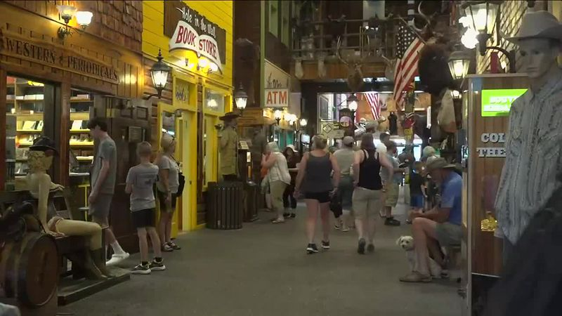 Wall Drug Store beats record in single day sales