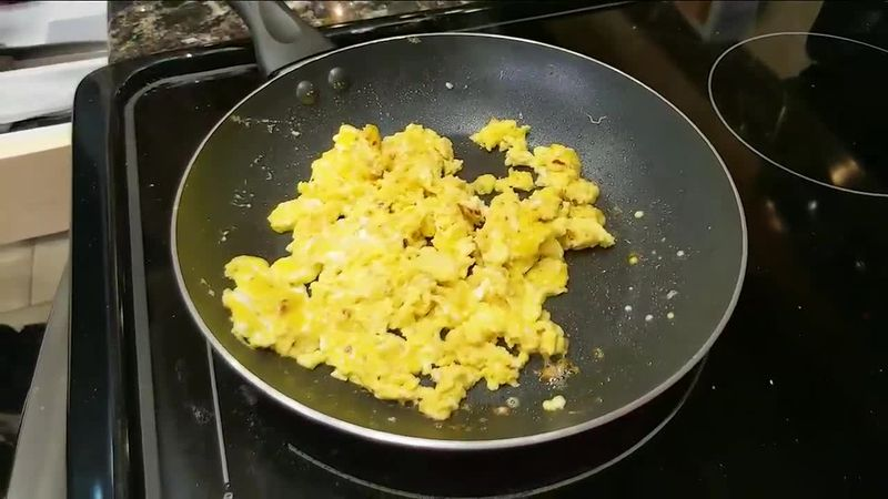 Eric's 60 Second Kitchen - Adding Mayo to Eggs