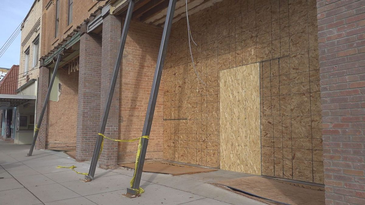 Crews are renovating a historic building in Downtown Rapid City.