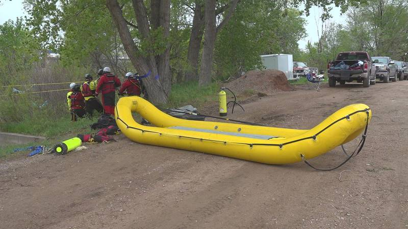 Fire crews used skilled techniques to prepare for rescuing people who find themselves trapped...
