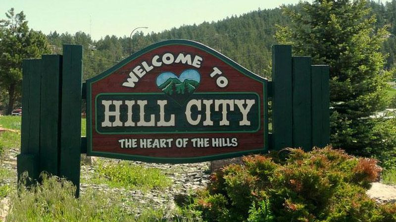 Hill City welcome sign