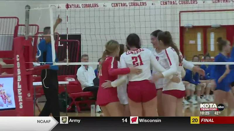 Stevens, Central volleyball take losses at home