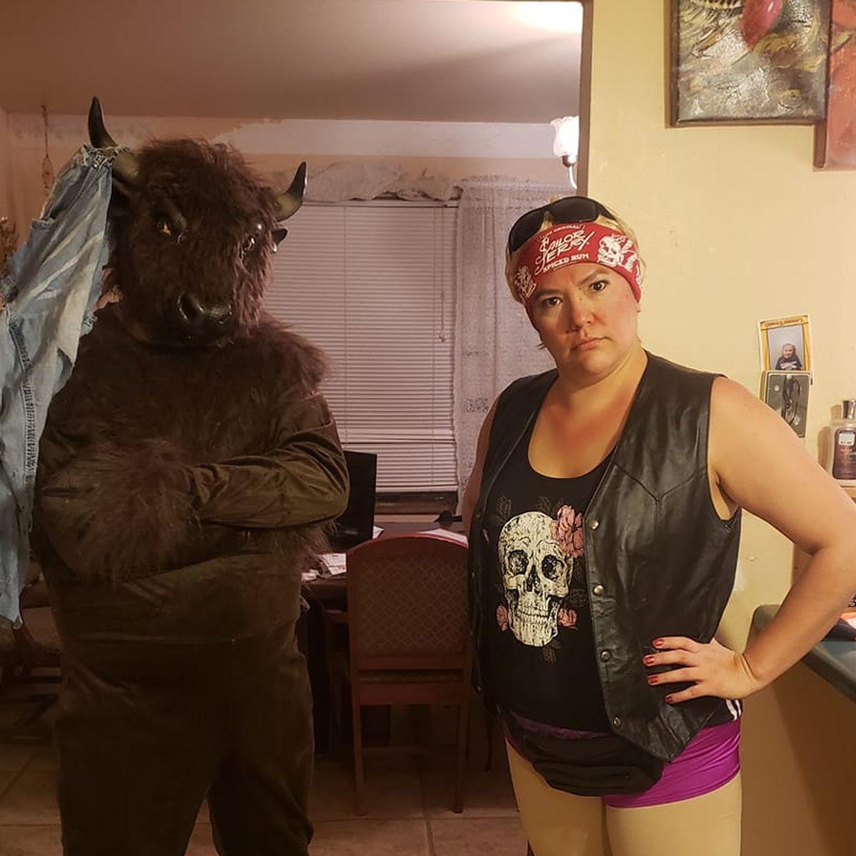 Internet Delights In Rapid City Couple S South Dakota Themed Halloween Costume