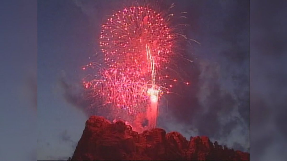 Fireworks over Mt. Rushmore (KEVN)