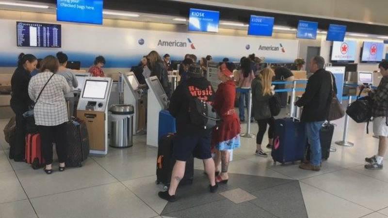 Holiday travel begins at Charlotte-Douglas International Airport